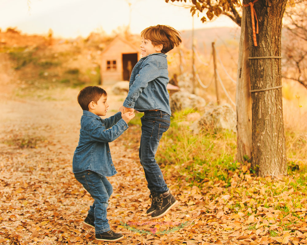 Fotos de Niños en exteriores en Madrid
